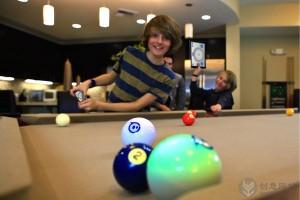 球形滚动控制的智能机器人