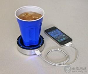 用冷热饮充电的充电器座