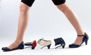 创意多变的高跟鞋跟与平底鞋的结合