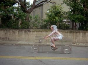 DIY手工自制的透明自行车
