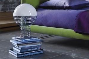 简洁铁艺制作的创意台灯