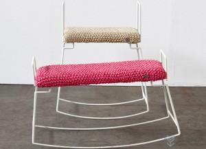 毛线编织的可摇摆椅子