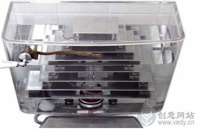 透明的创意马桶抽水箱