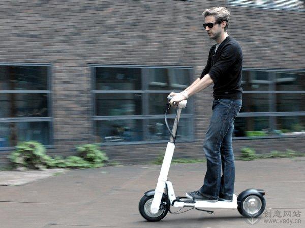 可折叠的创意电动滑板车