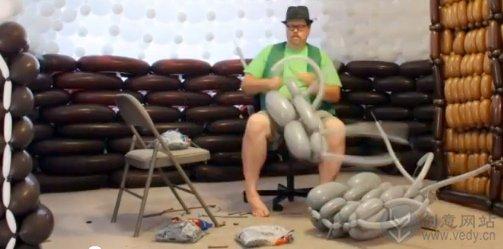 气球DIY折扎而成的创意手工家居小屋