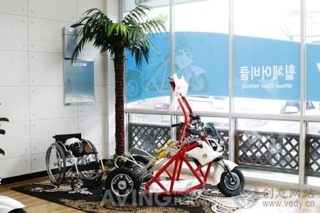老年人及残疾人用品的电动轮椅车