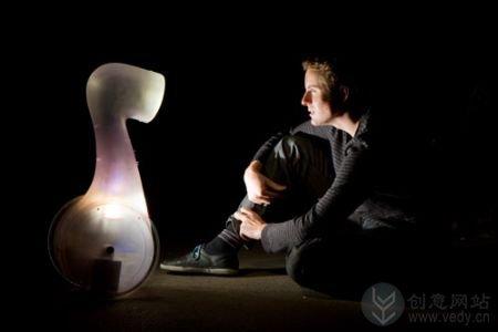 智能照明灯的机器人