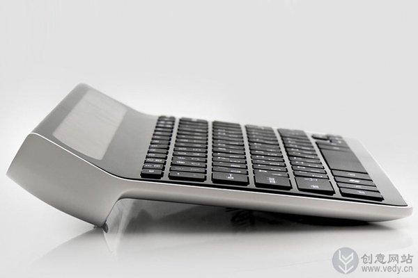 带小小显示屏的创意键盘设计