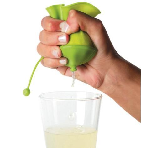 手握挤压式的榨汁机