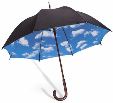 蓝天白云内衬印花的创意雨伞