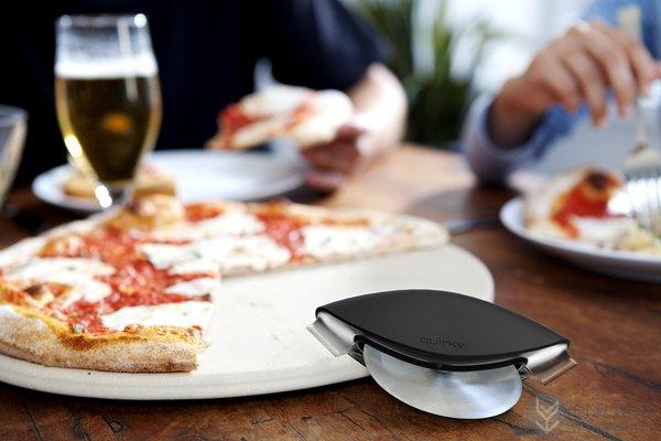 方便实用的披萨切割刀