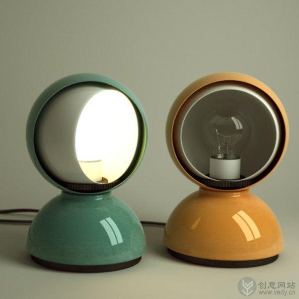 形似太空人的可旋转创意台灯