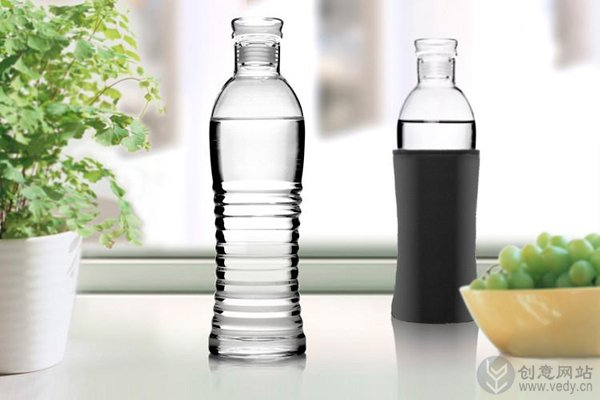 矿泉水瓶样式的创意玻璃瓶子