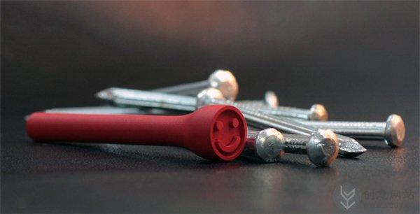 创意挂钩为钉子穿上漂亮的衣服
