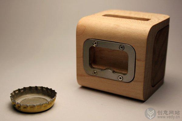 可收纳瓶盖的创意开瓶器