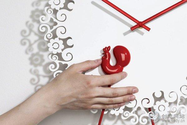 公鸡鸣叫报时的创意闹钟设计